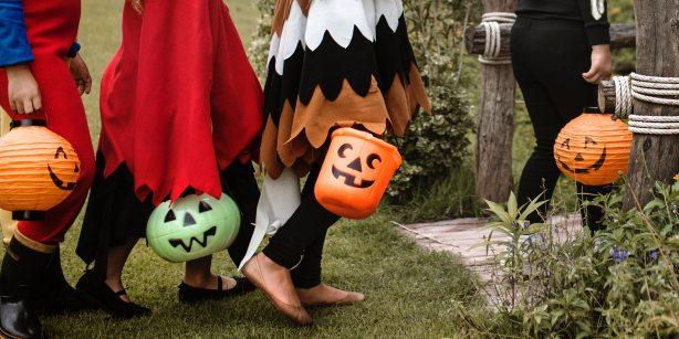 activity-bucket-costumes-1406352